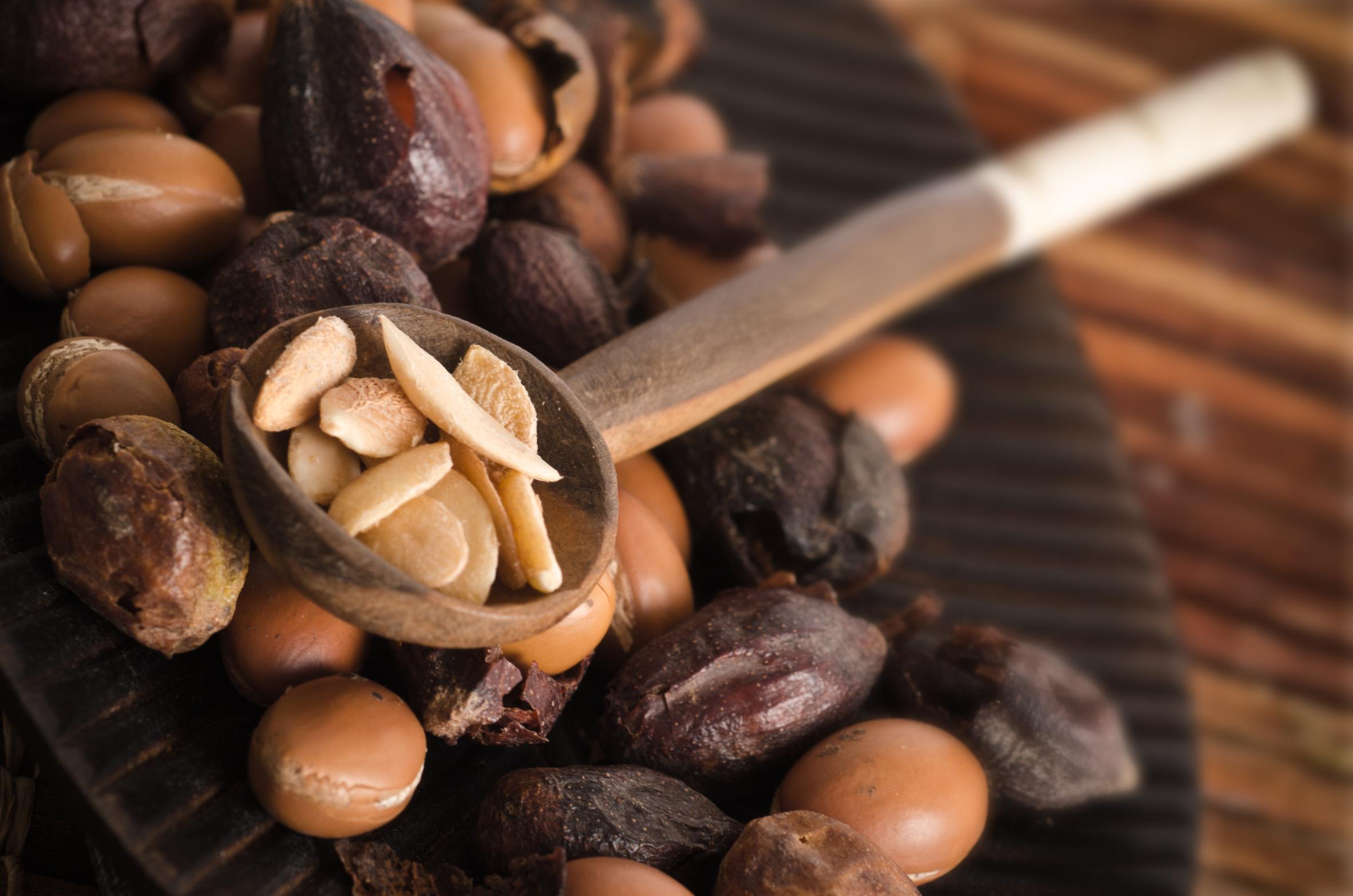 Olej arganowy w kuchni. Drogocenny olej z Maroka. Przepis na Amlou ? marokańską nutelle