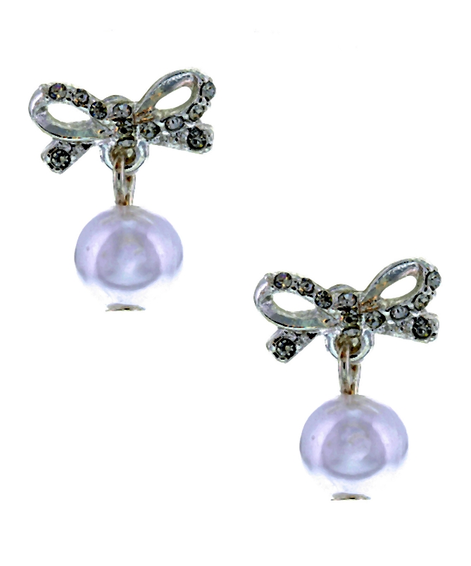 nowy-rok-trendy-Claires_Bow_Stud_Crystal_And_Pearl_Earrings-001-2014-01-29 _ 23_16_54-75