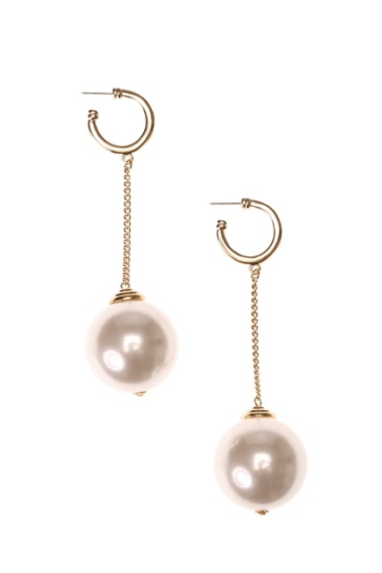 CLAIRES_AW14_Large Pearl Drop earrings