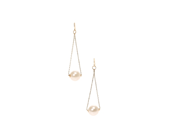 CLAIRES_AW14_Large Pearl Earrings