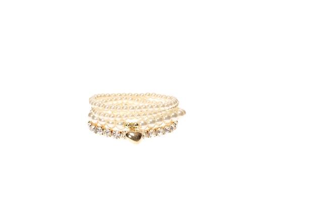 CLAIRES_AW14_Pearl Bracelet Set