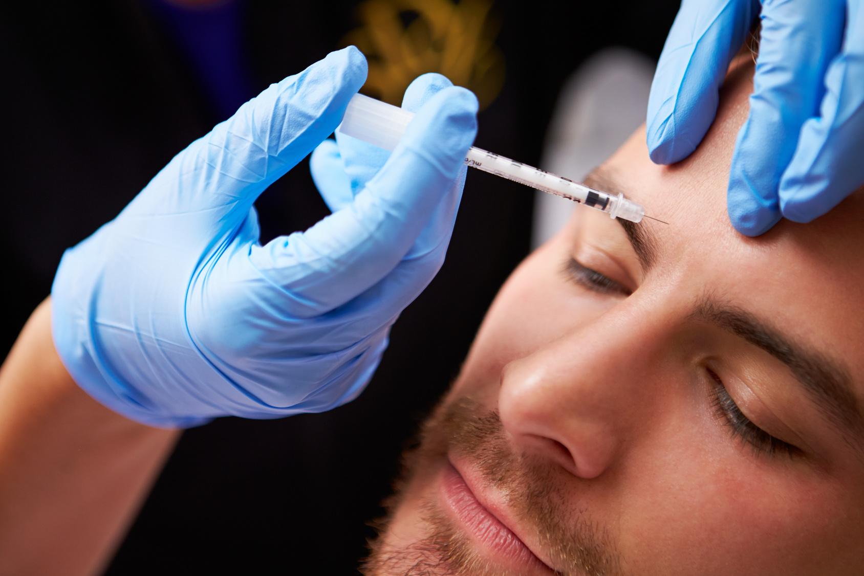 Medycyna estetyczna dla mężczyzn. Z czego najchętniej korzystają panowie?