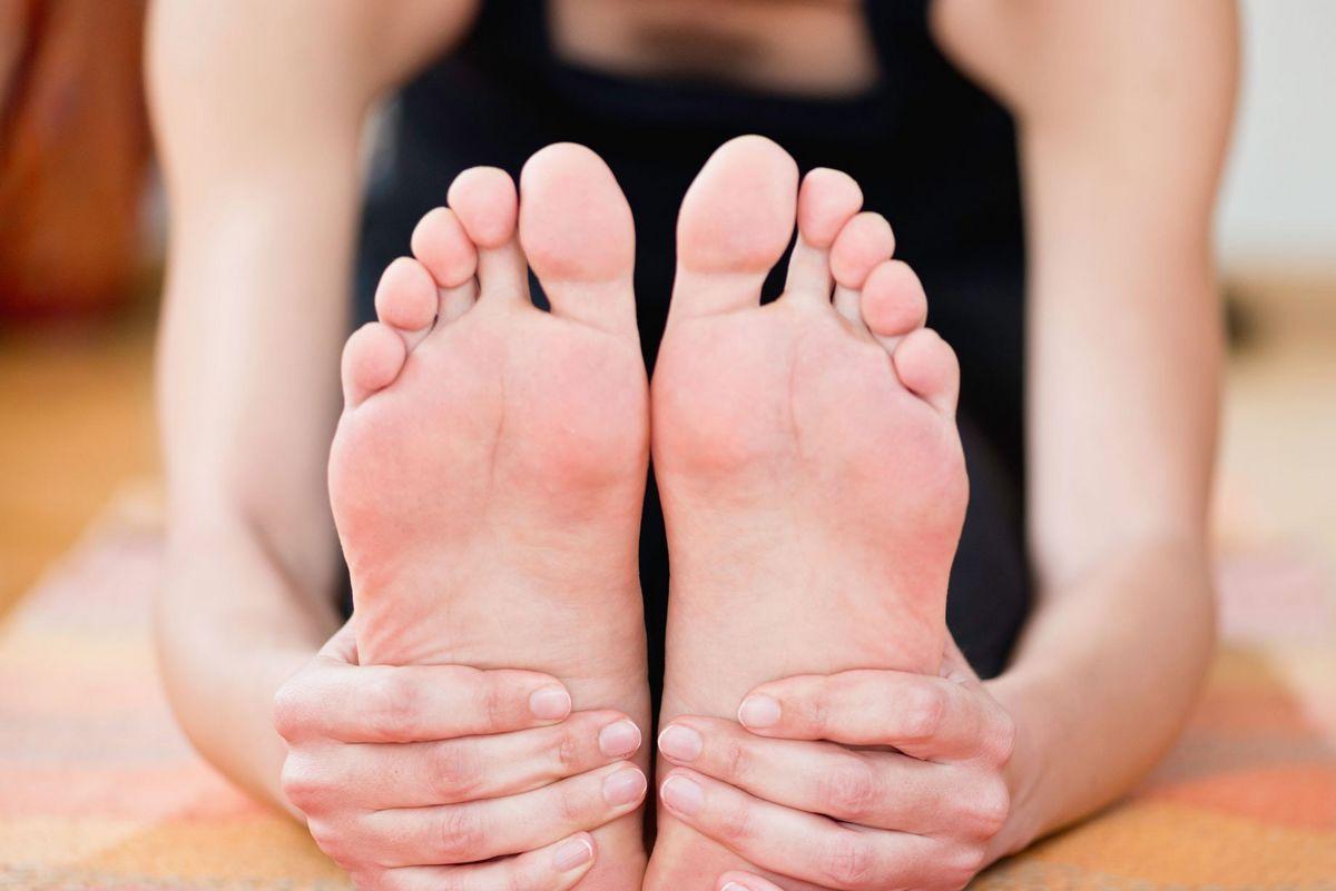 Jak zadbać o gładkość naszych stóp?